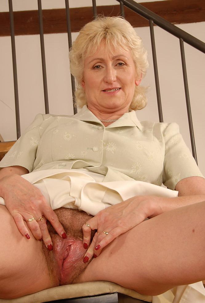 Фото голых женщин возрасте 35 45 11 фотография